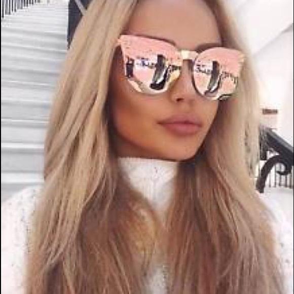 bebbc31af21 New Quay Rose gold higher love Sunglasses